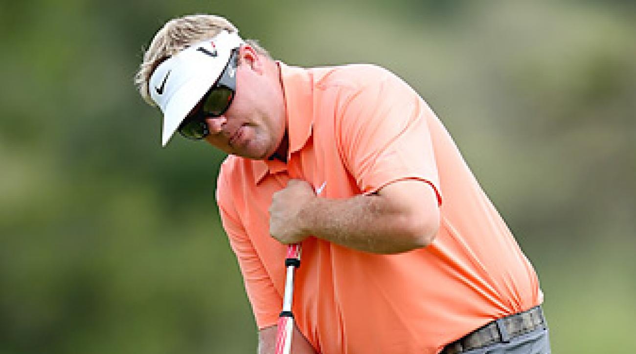 Carl Pettersson says he will continue to use a long putter this season.