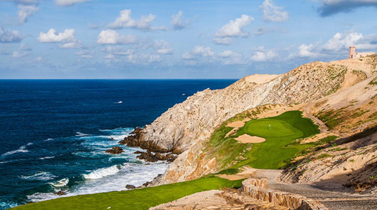 The green at Quivira's 180-yard par-3 sixth sits on a plateau carved out of a giant seaside dune.