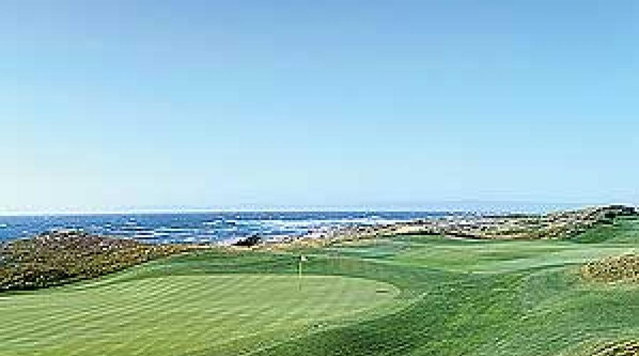 The 407-yard, par-4 fourth hole at Spanish Bay.