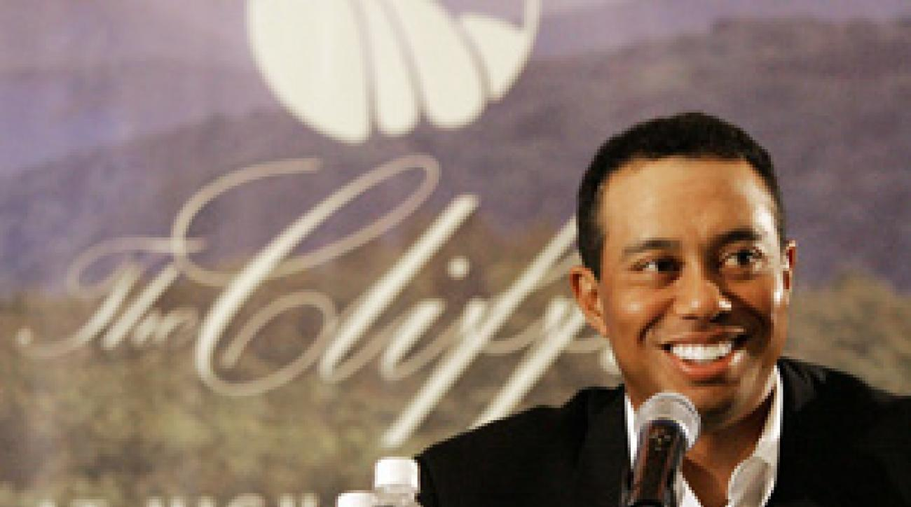 Tiger Woods at a 2007 press conference to announce the Cliffs project.