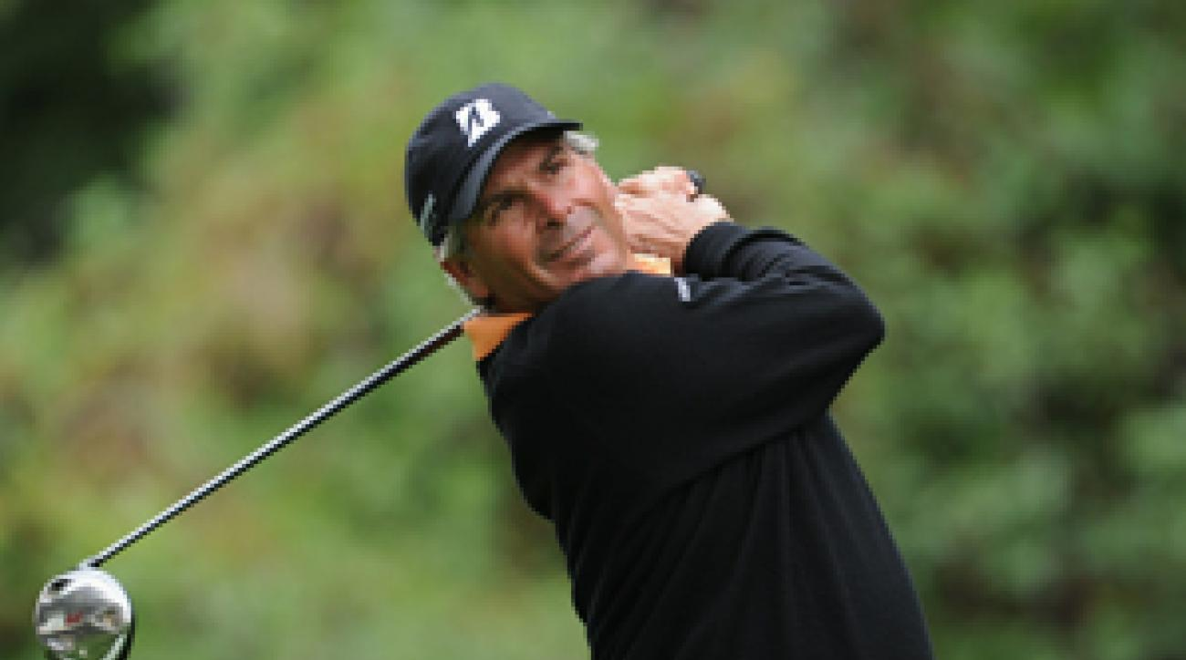 Fred Couples made an eagle and three birdies on Friday.
