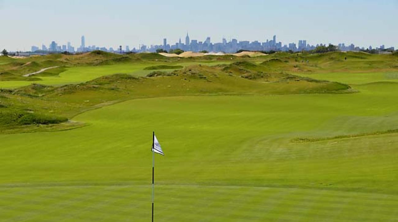 Trump Golf Links Ferry Point in the Bronx, N.Y., has views of the Manhattan skyline.
