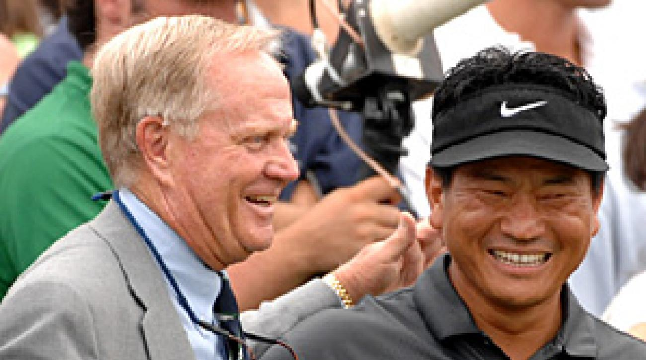 K.J. Choi was greeted by Jack Nicklaus on Sunday.