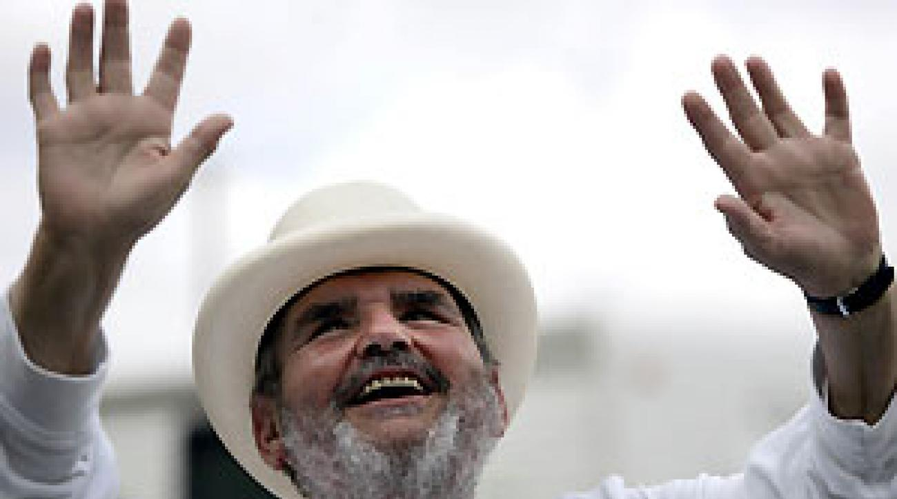 Paul Prudhomme rose to prominence after being named the first American-born executive chef of New Orleans restaurant Commander's Palace in 1975.