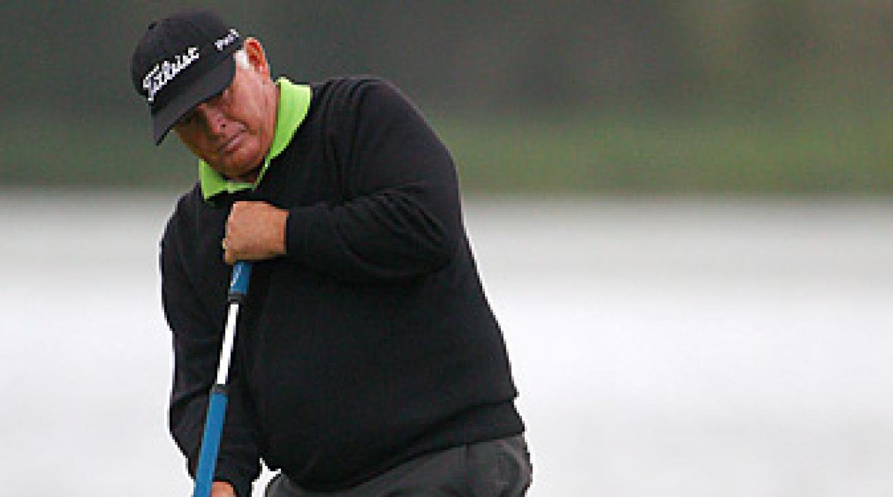 Peter Senior shot an even-par 72 in windy conditions to win the Australian Open.