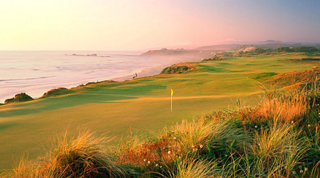The 463-yard, par-4 4th hole at Pacific Dunes in Bandon, Ore.