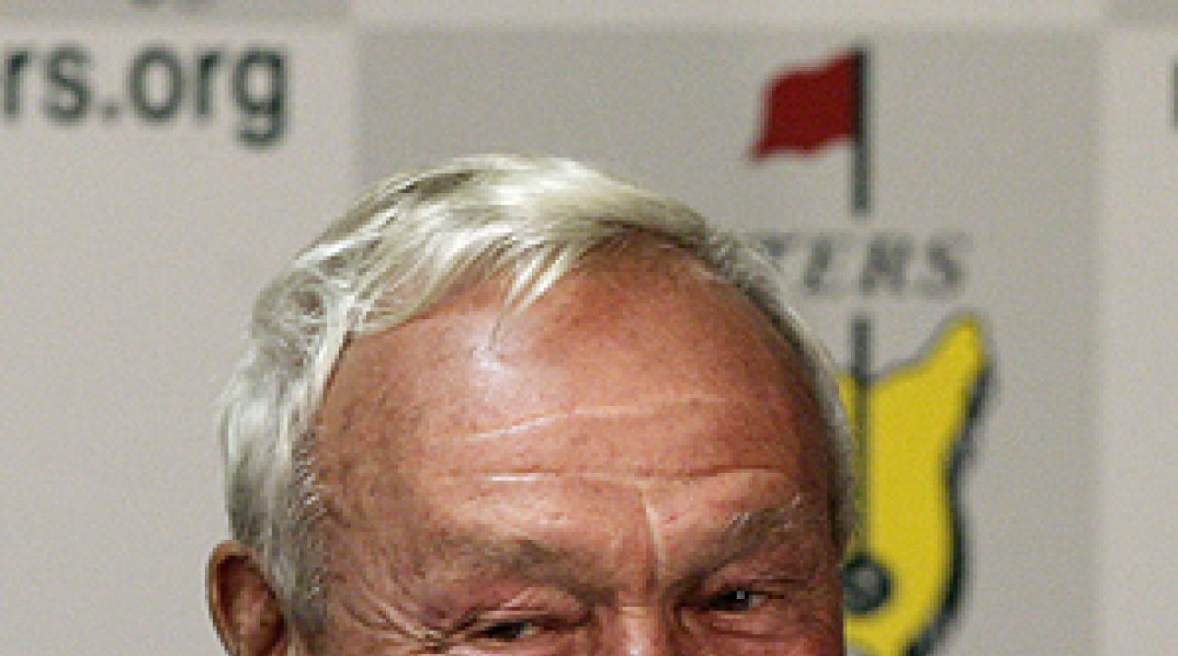 Golf legend Arnold Palmer announced Tuesday he will hit the opening tee shot at Augusta.