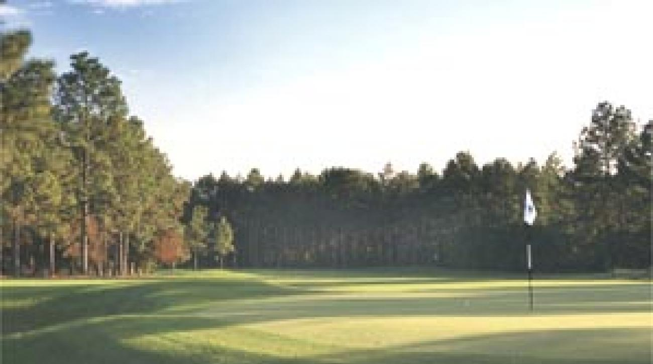 The 14th green at Pine Needles