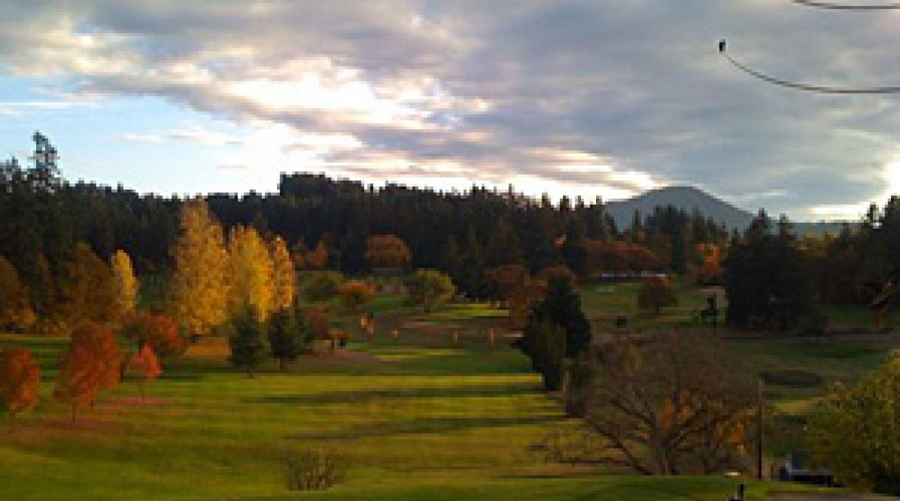 Laurelwood is a good budget course in Eugene.