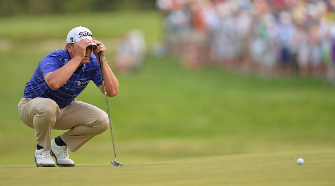 After a double bogey on 9, Steve Stricker made birdies on Nos. 10 and 12.
