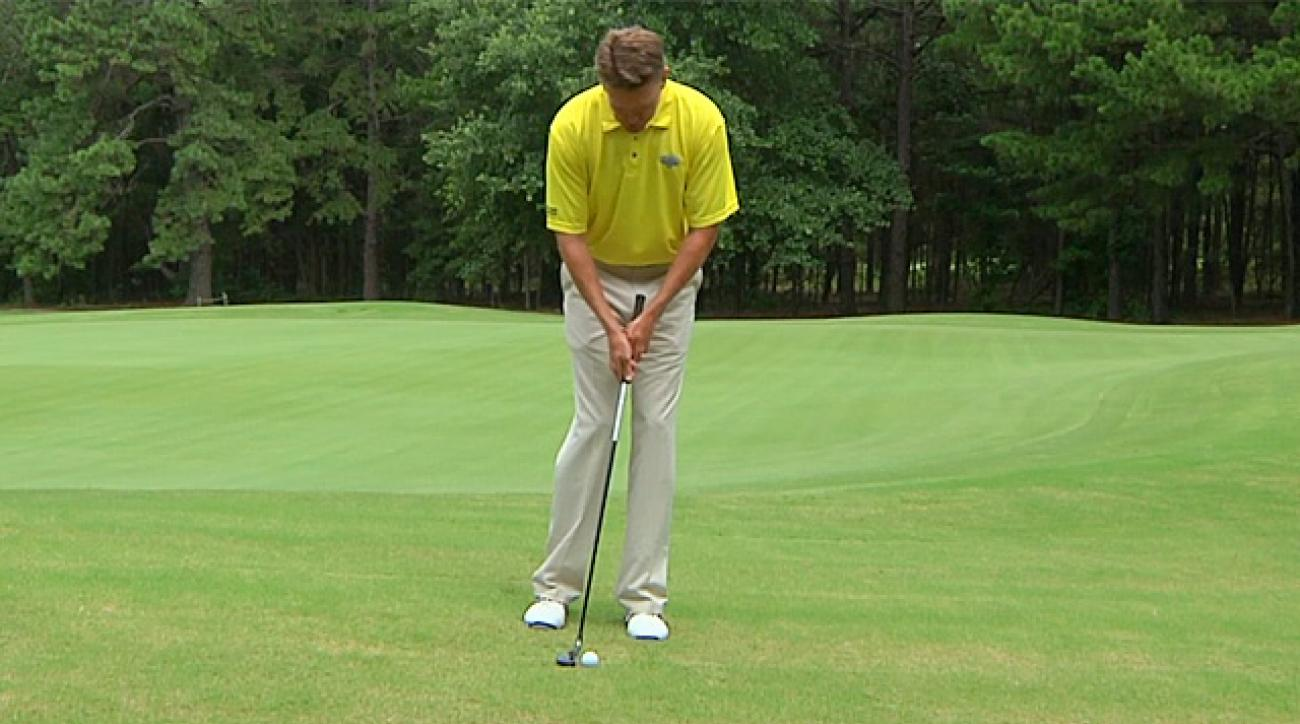 Hump Day Tip: Chipping with a Hybrid
