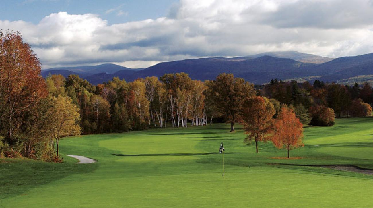 The 18th hole at The Golf Club at the Equinox.