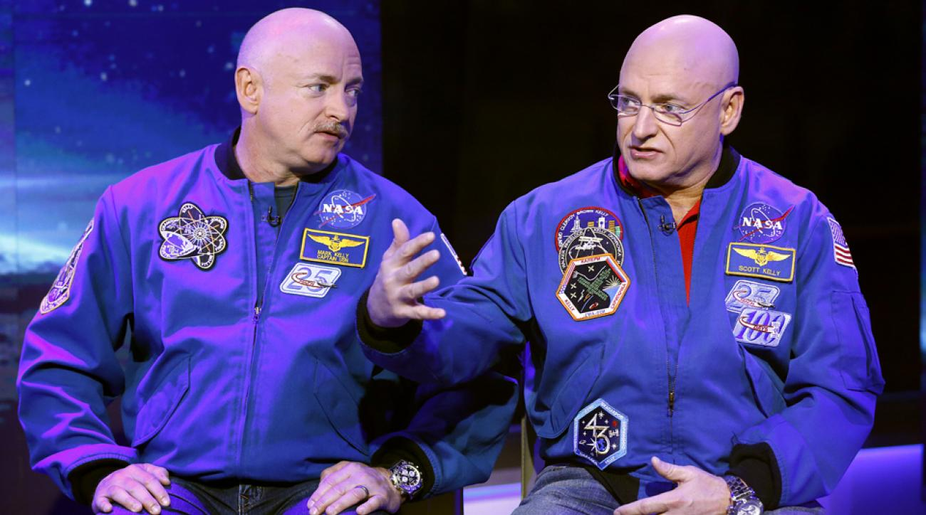 """Mark Kelly (left) and identical twin Scott Kelly appear on """"Today"""" Show in 2014."""