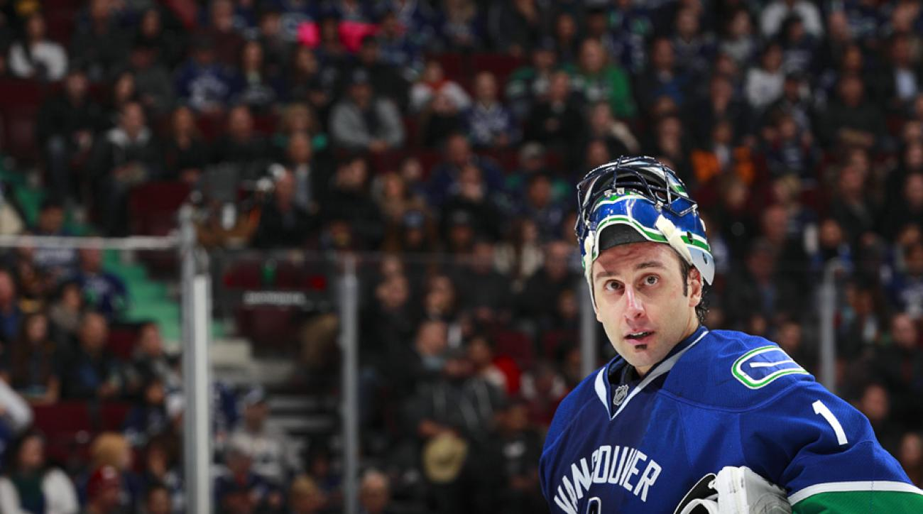 After a contract melodrama, Canucks fans still have Roberto Luongo to kick around.