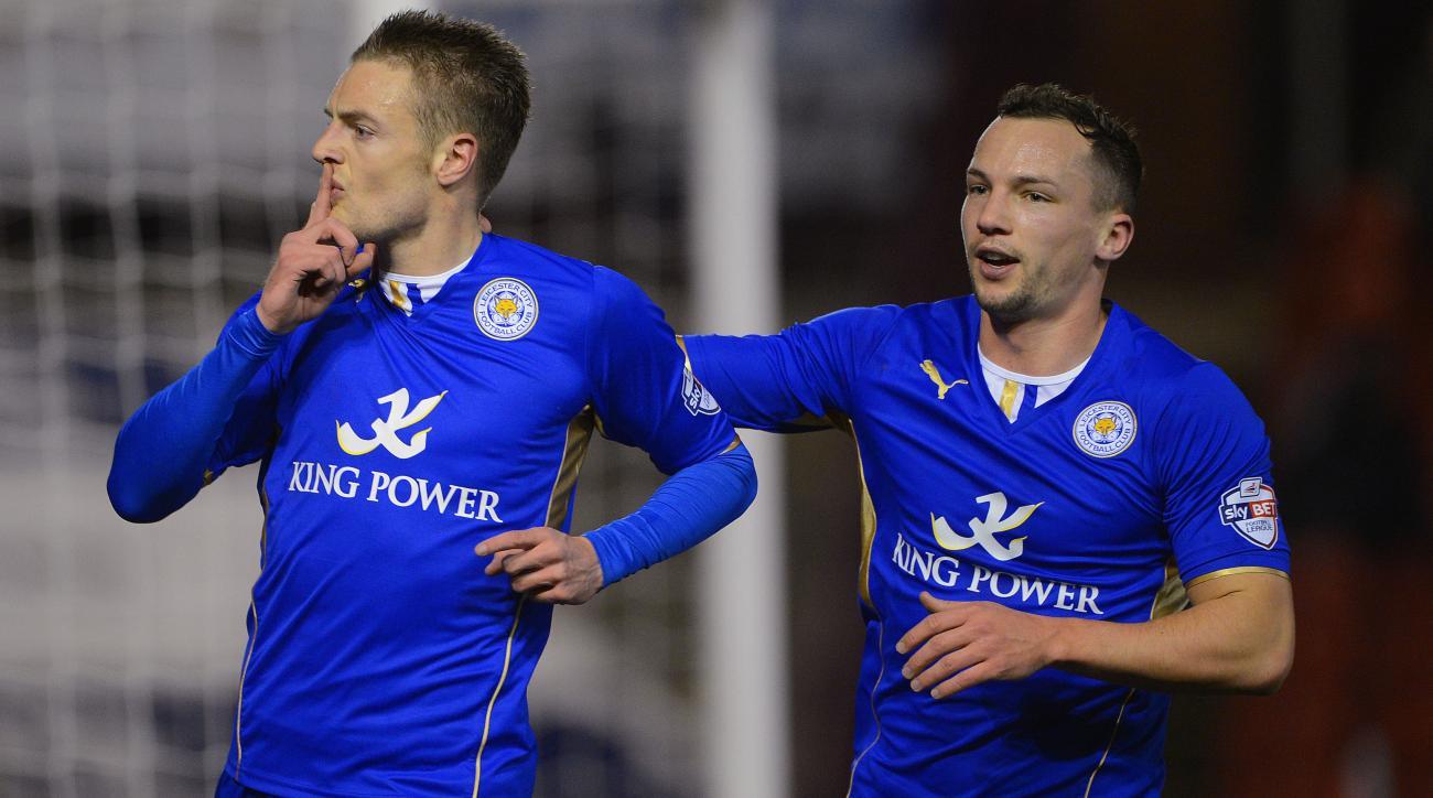 Jamie Vardy and Daniel Drinkwater celebrate a goal last season