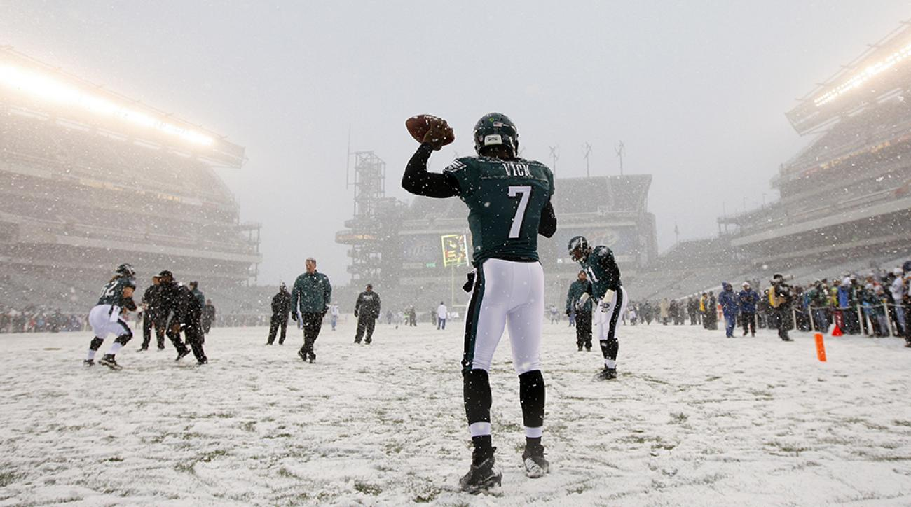 Rain Sleet Or Snow How Nfl Players Stay Warm During The