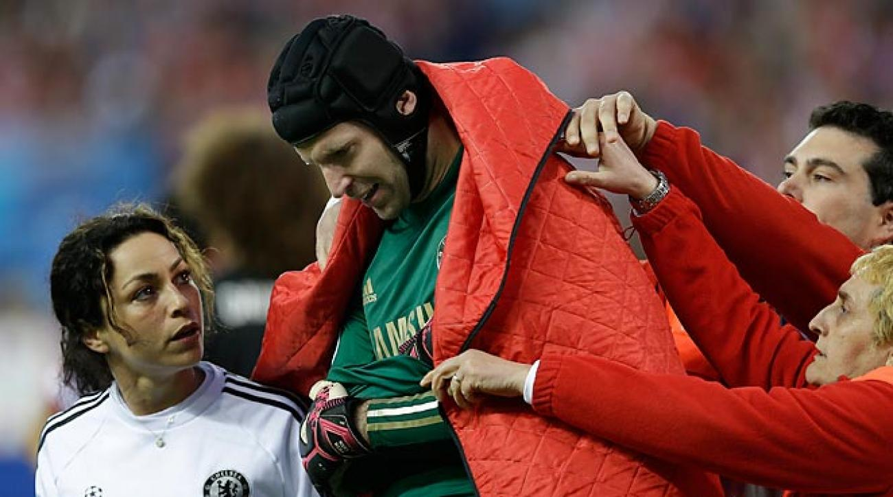 Petr Cech was forced out of Chelsea's scoreless draw with Atlético Madric with an arm injury.