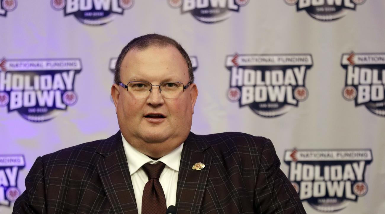 Minnesota head coach Tracy Claeys speaks during a news conference for the upcoming Holiday Bowl NCAA college football game Wednesday, Dec. 14, 2016, in San Diego. Minnesota faces Washington State in the Holiday Bowl Dec. 27. The 10 Minnesota football play