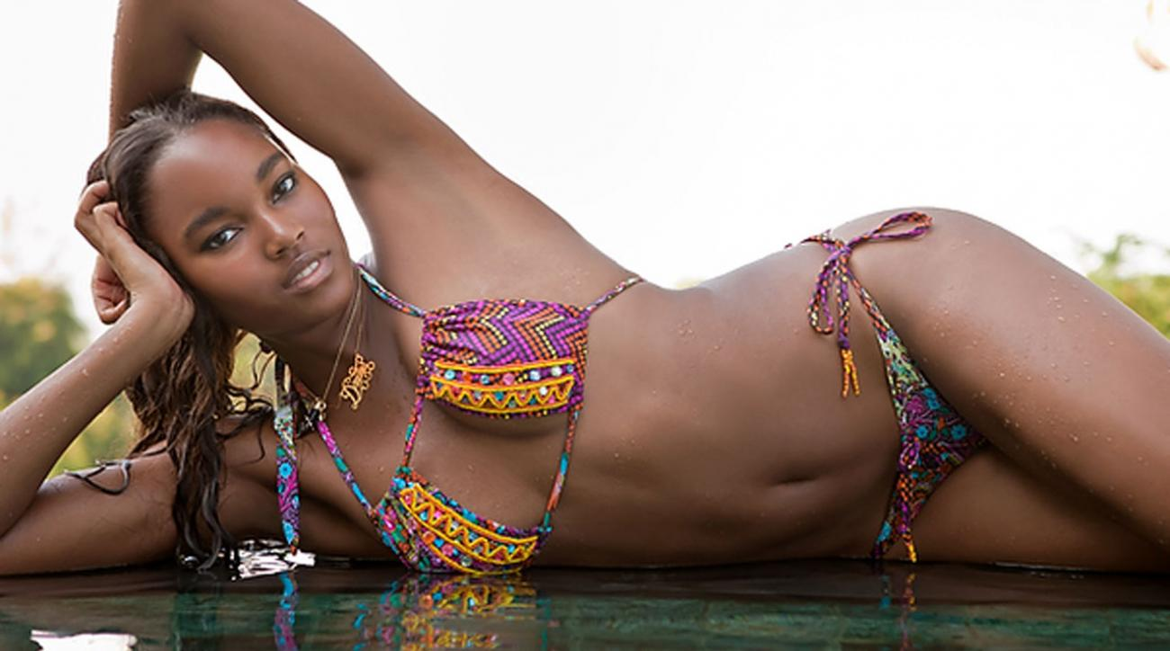 Gorgeous Damaris Lewis SI Swimsuit 2011