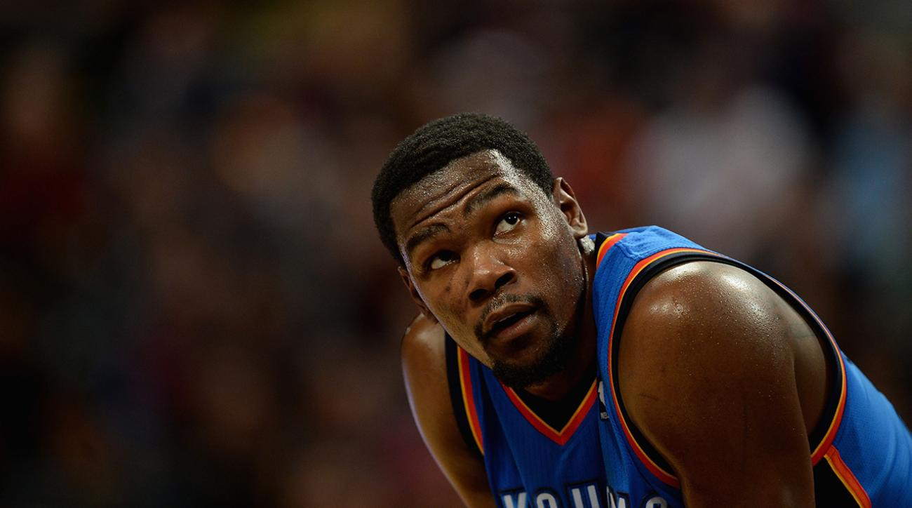kevin durant fractures foot