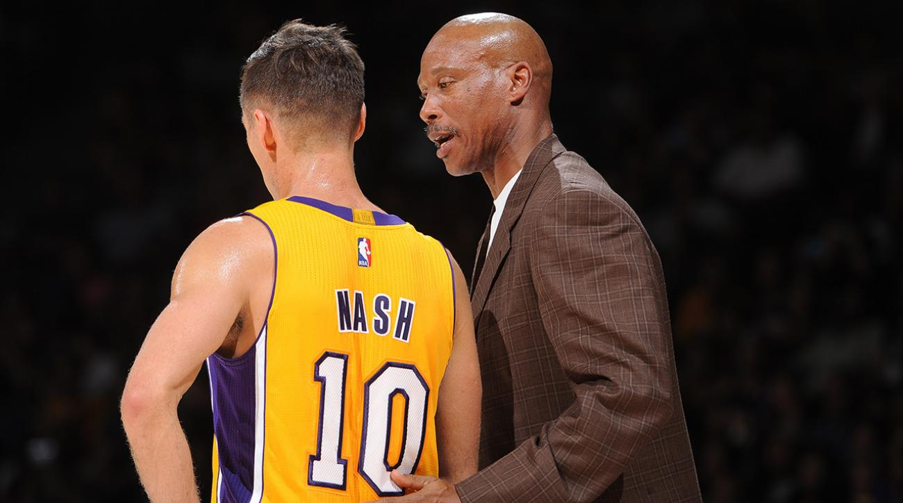 Lakers point guard Steve Nash left Sunday night's preseason game against the Warriors early.