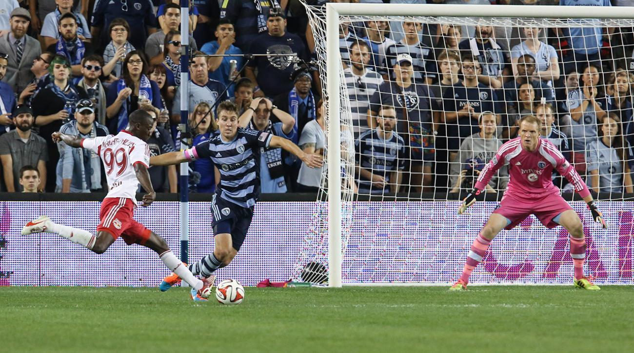 Red Bulls' Bradley Wright-Phillips ties MLS scoring record