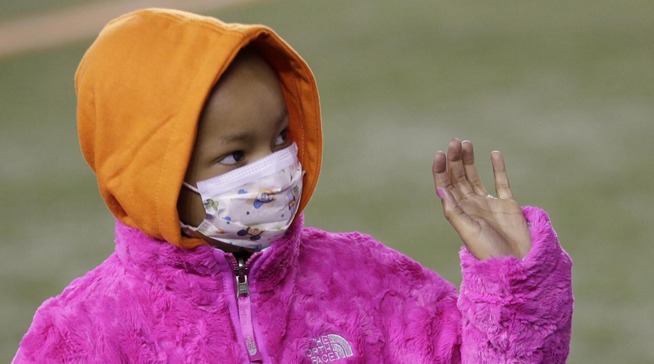 Leah Still, who's battling cancer, saw her dad Devon, a Bengals DT, play for the first time Thursday night. The four-year-old also participated in a special on-field ceremony.