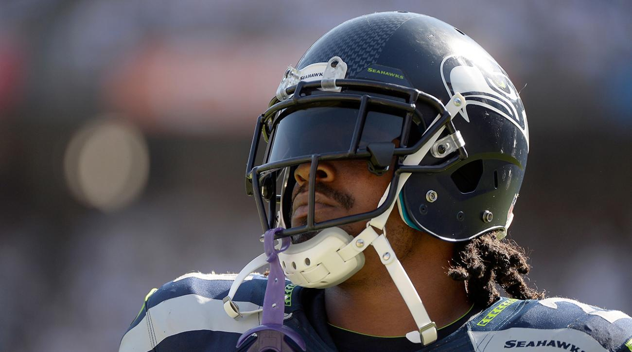 Marshawn Lynch stayed on field during halftime