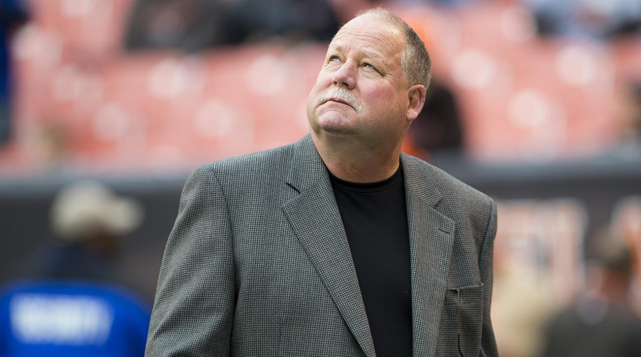 Former NFL coach Mike Holmgren