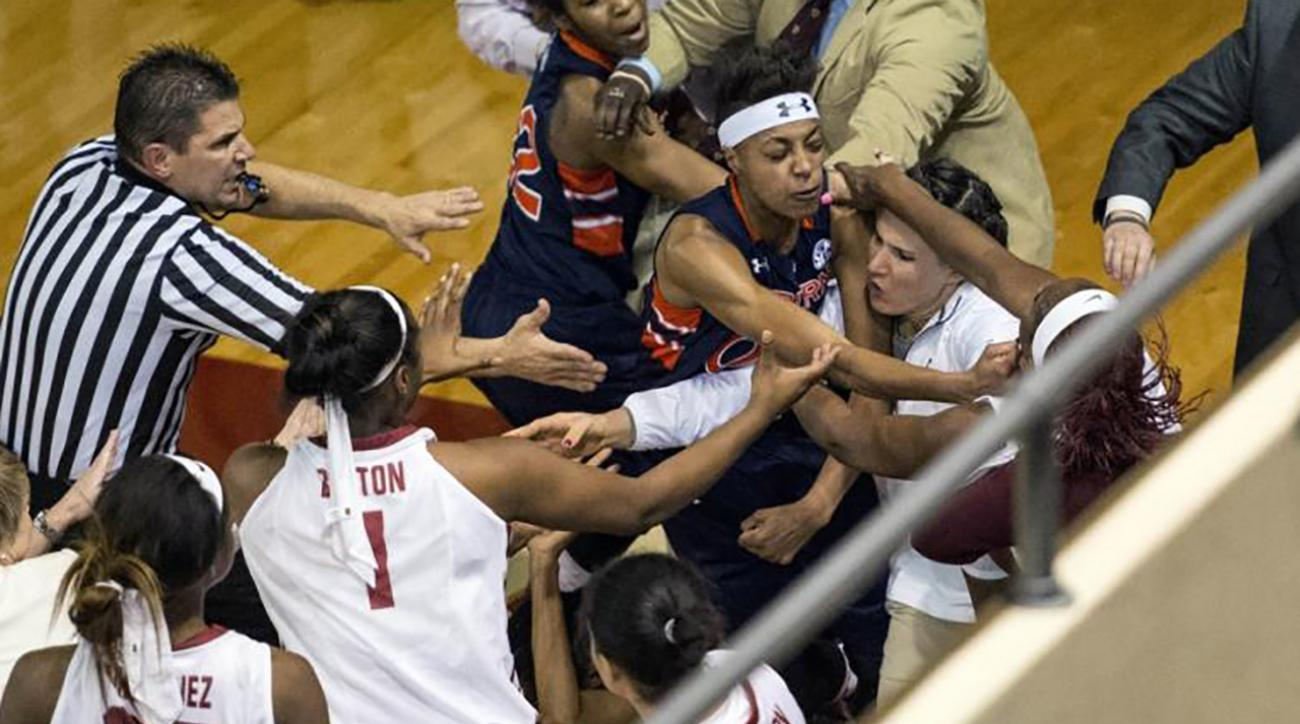 Auburn-Alabama players brawl