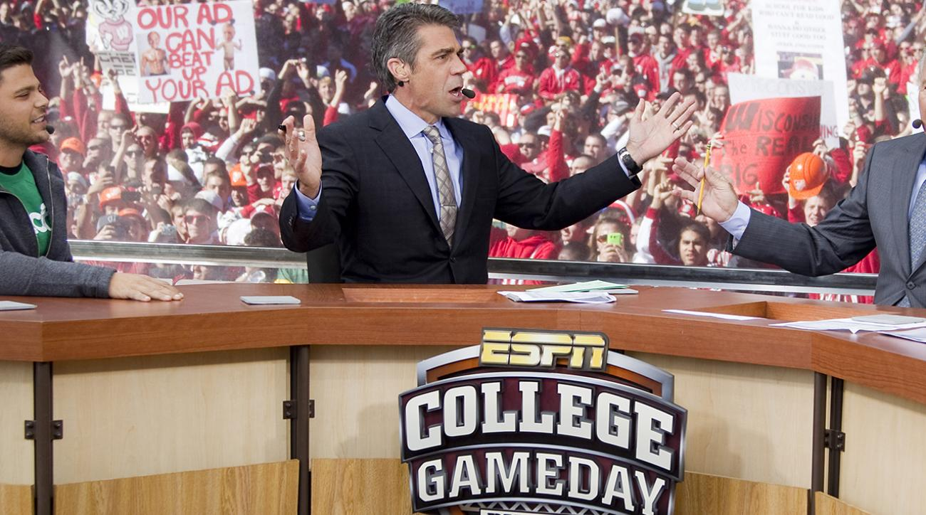 where is espn gameday friday college football scores