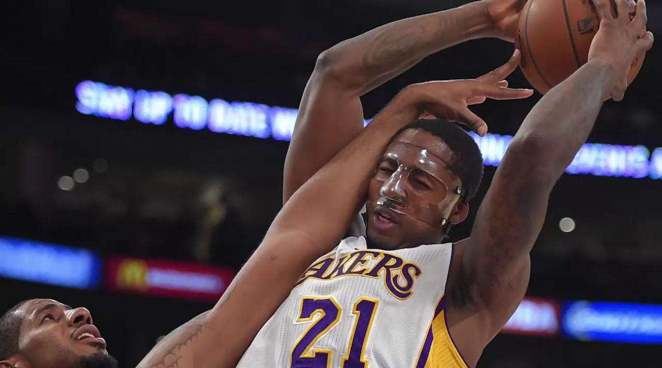 Lakers' Ed Davis to opt out of contract after season