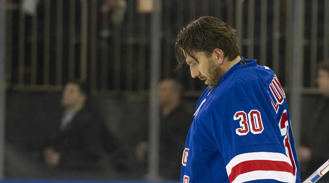 Report: Lundqvist out 1 month with neck injury