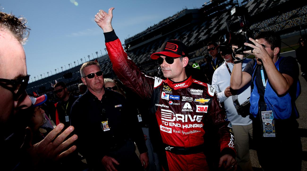 Jeff Gordon wins pole for his final Daytona 500
