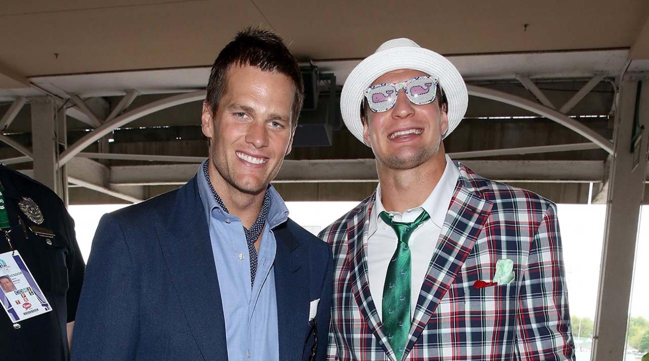 Tom Brady, Gronk jet to Mayweather vs. Pacquiao fight