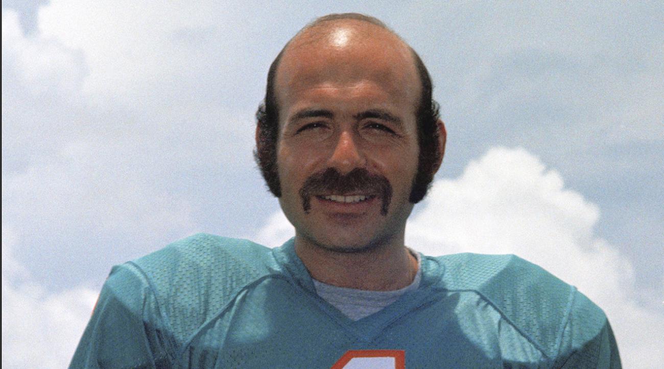 Miami Dolphins K Garo Yepremian dies at 70