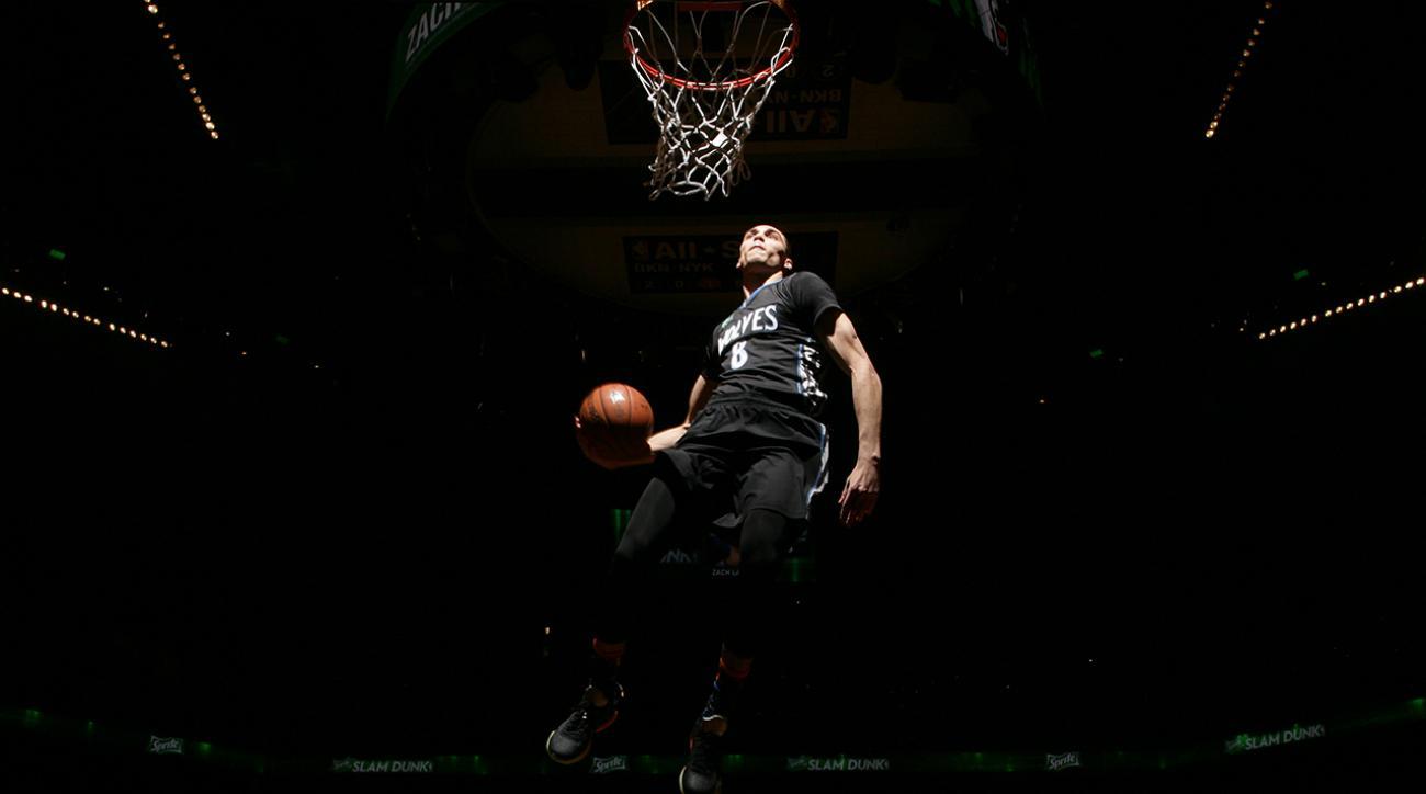 Watch: Zach LaVine dunks with footballs