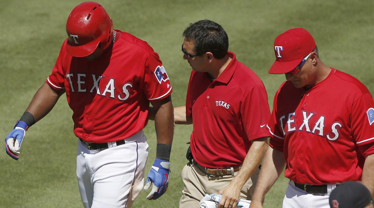 Rangers' Adrian Beltre out at least two weeks with thumb injury