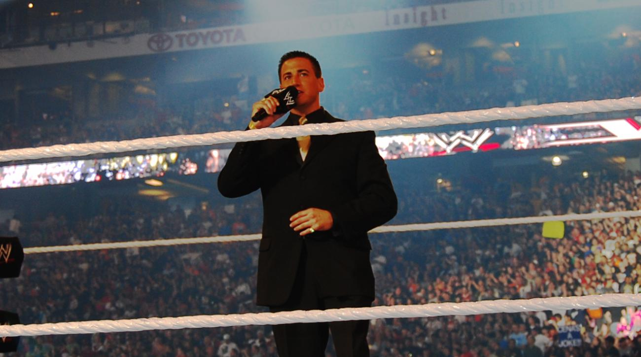 WWE announcer Justin Roberts writing tell-all book