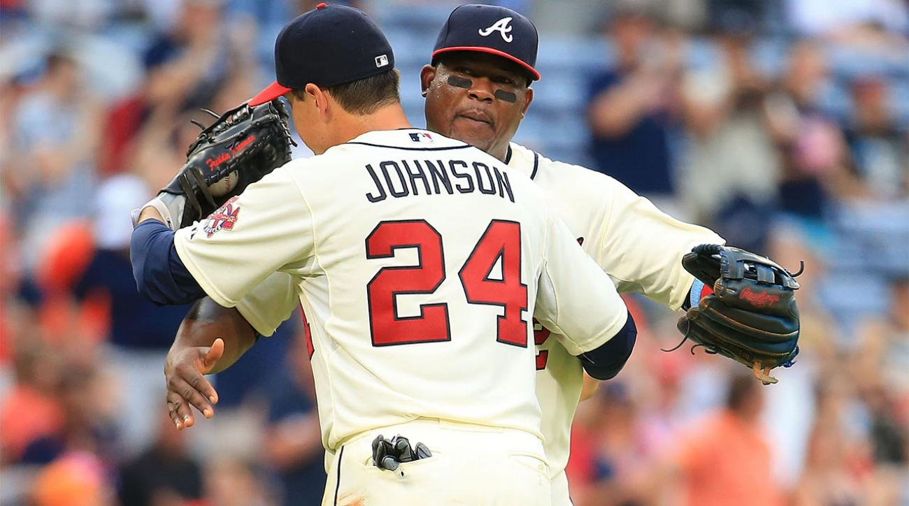 Report: Braves agree to trade Juan Uribe, Kelly Johnson to Mets