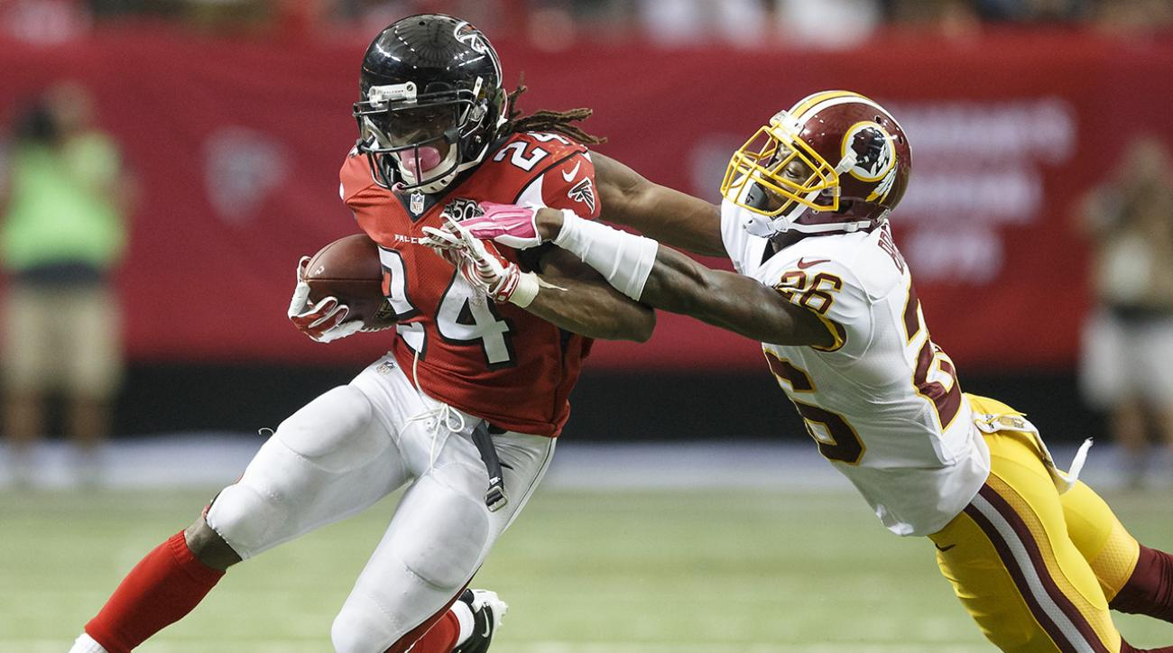Falcons remain perfect off strong performance by Freeman