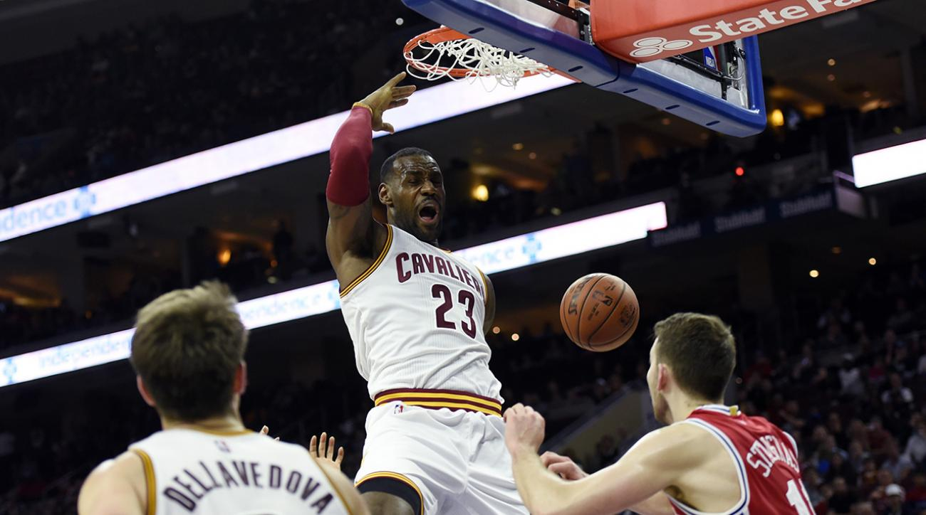 LeBron James becomes youngest player to reach 25,000 career points IMAGE