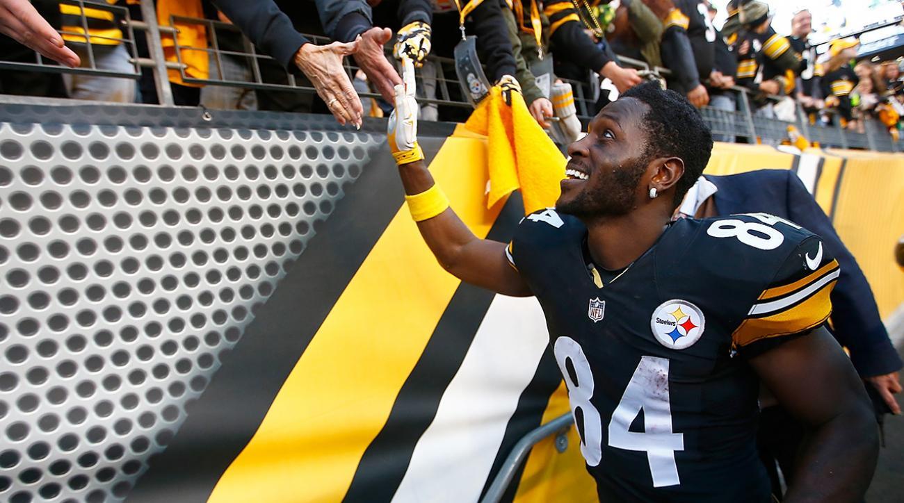 Steelers beat Raiders off of Brown's big day