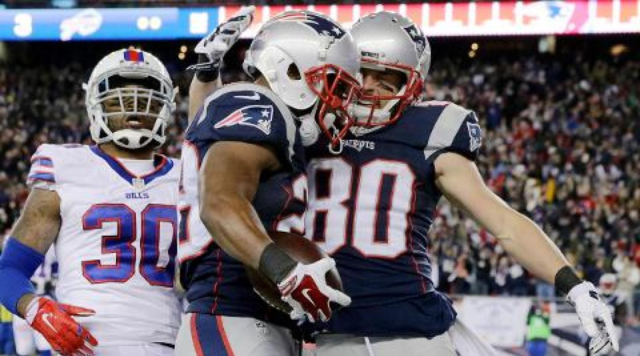 Patriots beat Bills 20-13, improve to 10-0