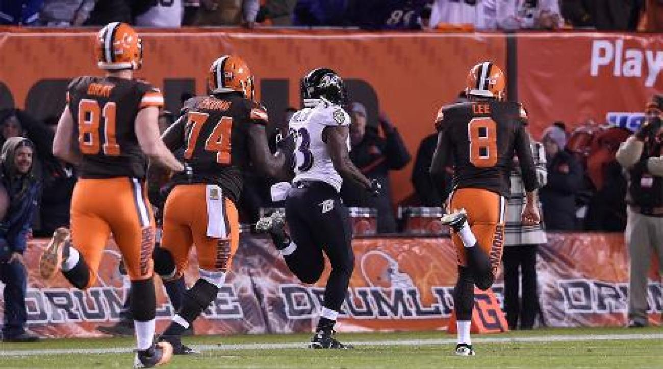 Ravens run back blocked field goal, stun Browns