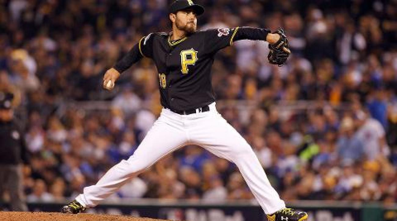 Royals sign RHP Joakim Soria to three-year deal IMAGE