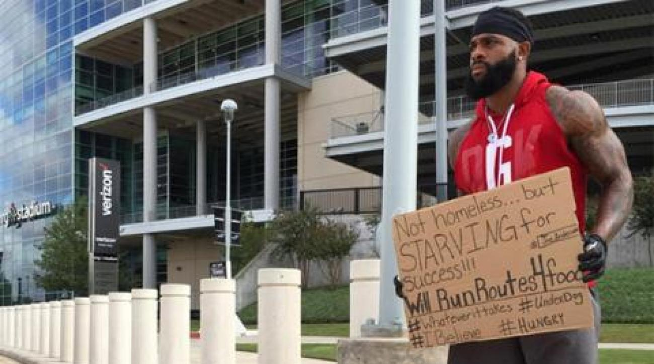 Jets sign receiver after he posted photo with sign asking for work IMAGE