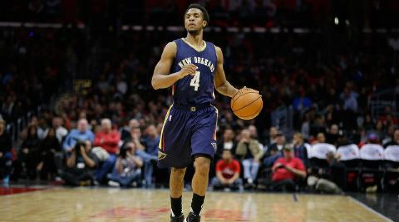 Sixers trade draft picks to Pelicans for Ish Smith