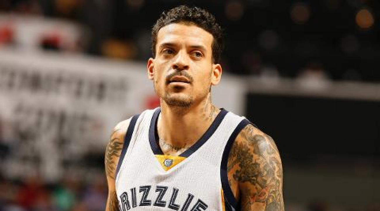 Grizzlies F Matt Barnes suspended for Derek Fisher incident