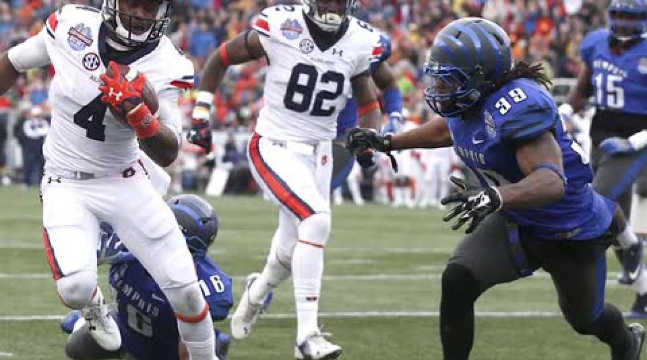 Memphis player steals ball from Auburn sideline after bowl game